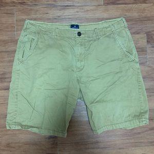American Eagle Men's Classic Khaki Shorts!